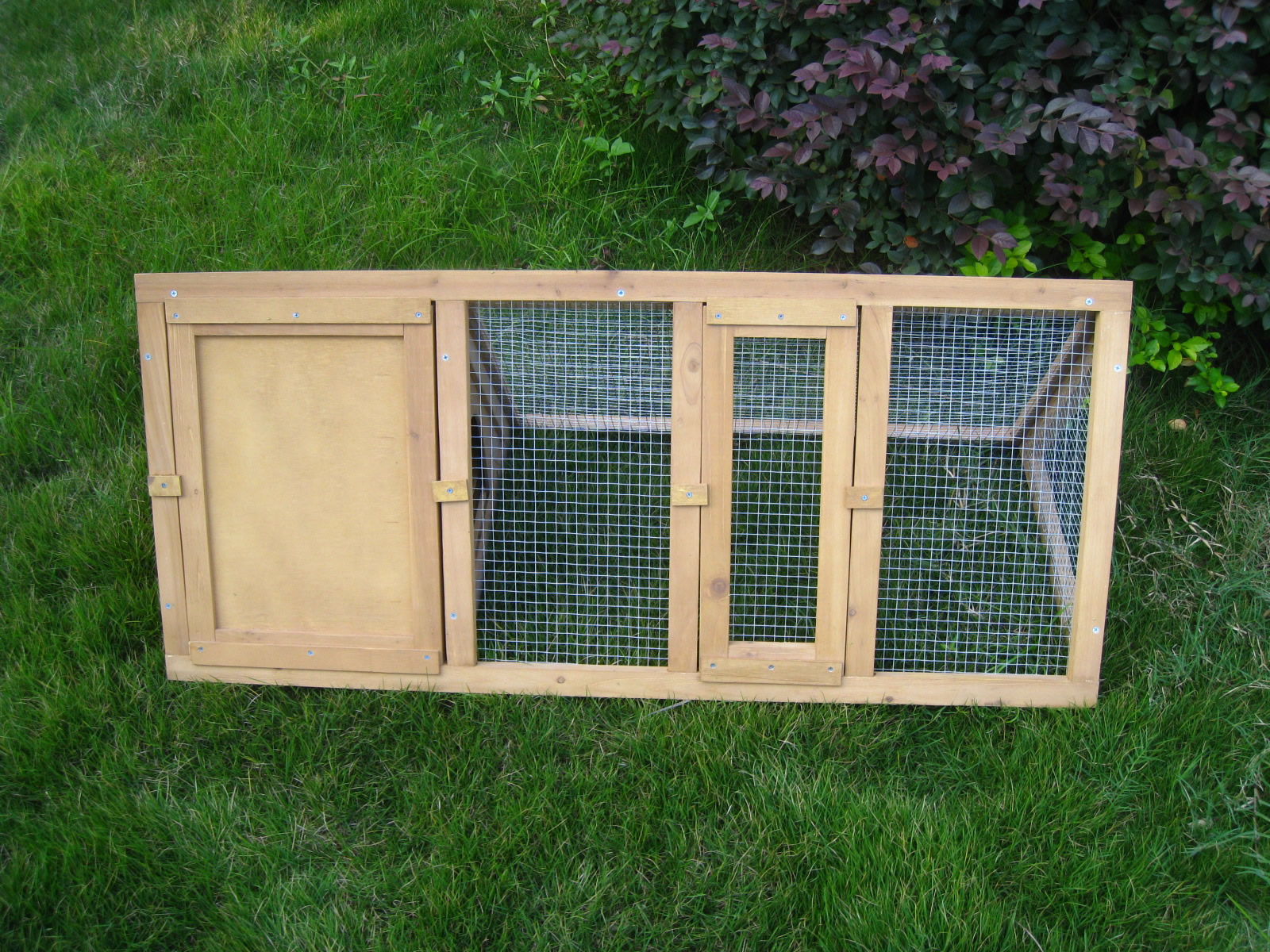 Outdoor wooden rabbit hutch triangle pet cage run guinea for Outdoor guinea pig hutch