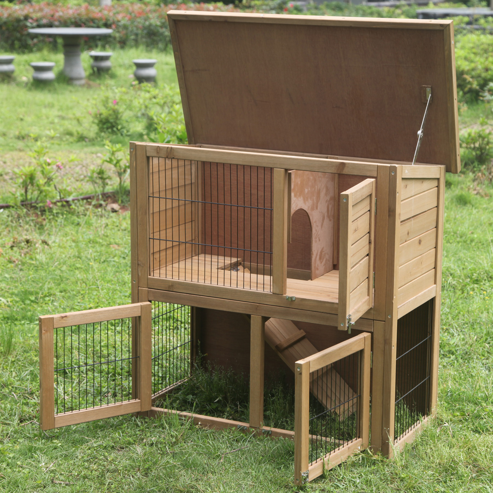 Rabbit hutches and runs guinea pig house ferret cages for Outdoor guinea pig hutch